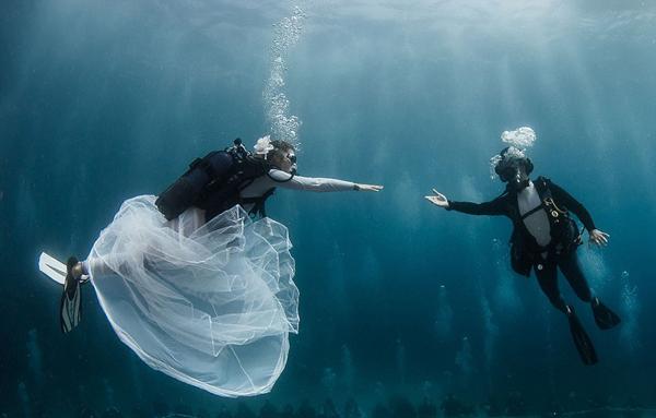 世界上独特的婚礼场所 大漠深海天空无处不可去