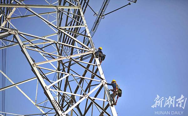 直击酒泉-湖南±800千伏特高压直流输电工程现场